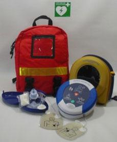 Rettungsrucksack mit Defibrillator und Notfallbeatmungsmaske